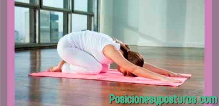 postura de yoga del niño