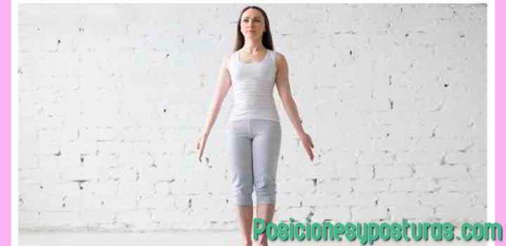 postura de yoga tadasana